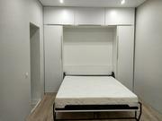 В маленькую квартиру с большой кроватью!